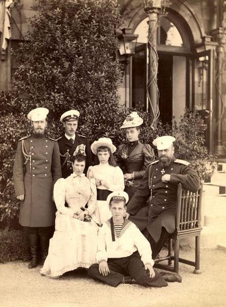 Последняя семейная фотография императора Александра III